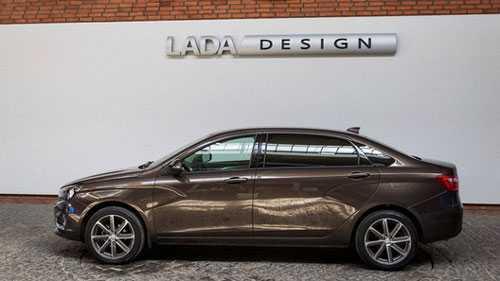 Вступаем в премьер-лигу: обзор удлиненной Lada Vesta Signature