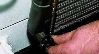 Замена охлаждающей жидкости Нива ВАЗ 21213, 21214, 2131 lada 4x4