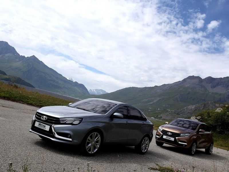 Народное мнение: что выбрать – Lada Vesta или Lada Xray?