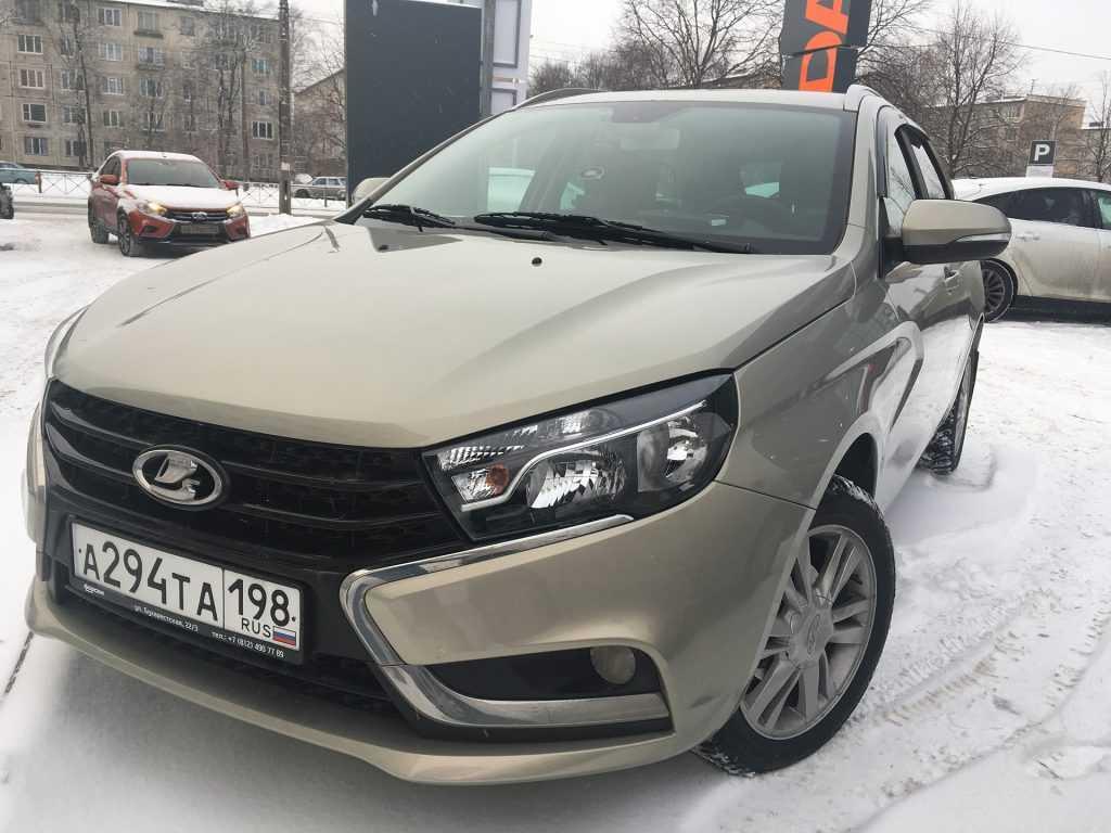 Lada Vesta Comfort теперь имеет только два подголовника для задних пассажиров