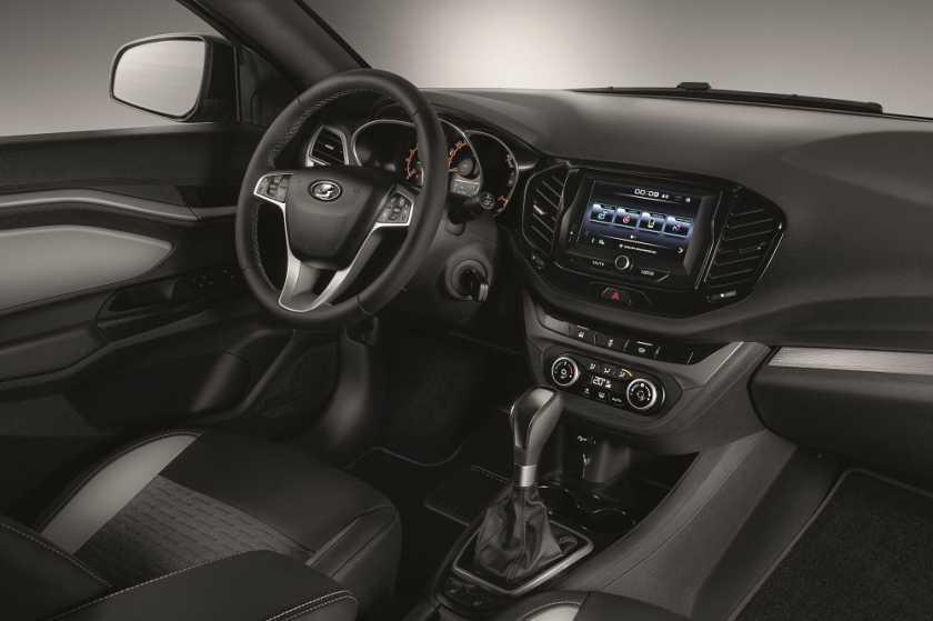 Lada Granta с «лицом» Весты открывает новое семейство автомобилей