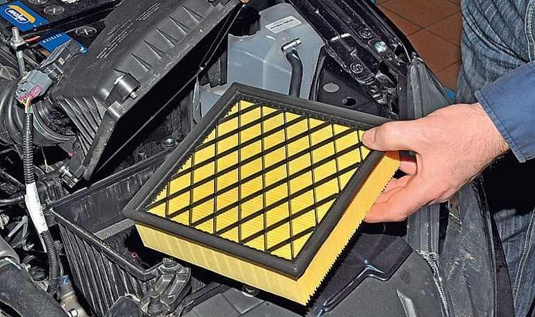 Замена топливного фильтра на Ладе Калина