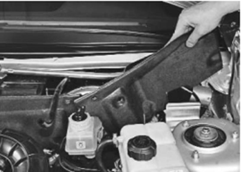 Ремонт ВАЗ 2170 (Приора) : Снятие и установка шумоизоляционной обивки моторного отсека